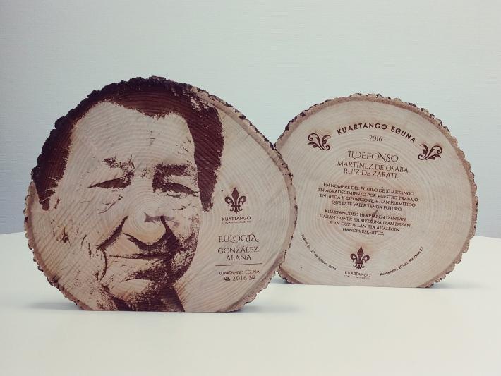 Diseño gráfico Araba, Homenaje Mayores, kuartango, grabado láser madera, grabolaser